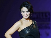 Preity Zinta makes a comeback on the runway!