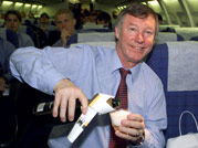 Sir Alex Ferguson retires after 27 years as Manchester United coach