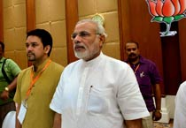 Modi gets thumbs up as BJP goes into huddle