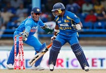 Dhoni's Midas touch helps India clinch Tri-Nation series
