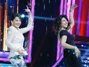 Madhuri dresses up to outshine Priyanka