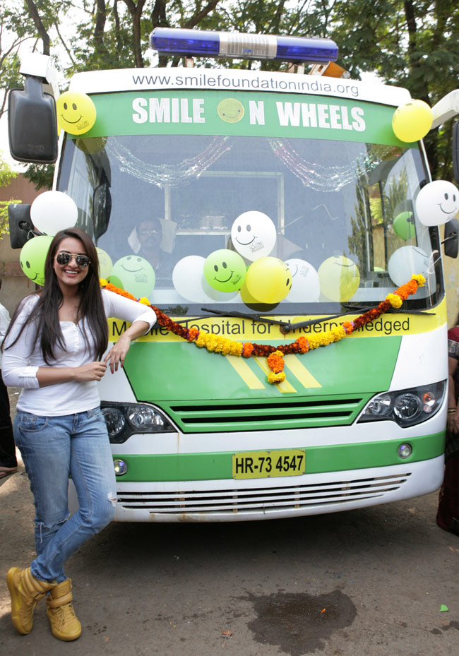 Sonakshi Sinha launches mobile hospital   IndiaToday