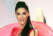 Nargis Fakhri scorched the ramp at SIFW 2013