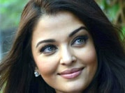 Aish celebrates birthday with media