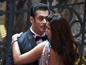 Salman gets romantic with Daisy Shah