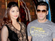 Salman and Daisy grace the sets of Dance India Dance
