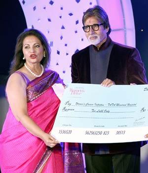 Amitabh Bachchan at the Lavasa Women's Drive 2014