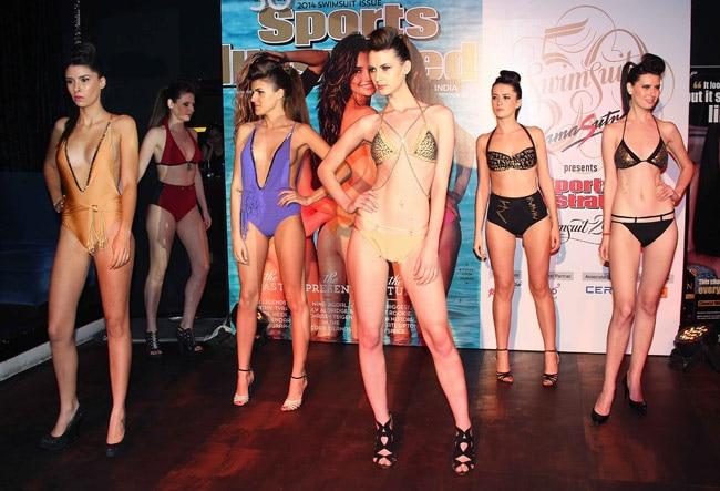 Bikini clad models