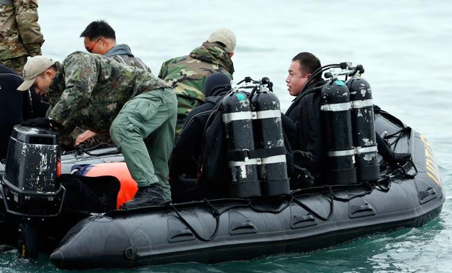 south korea ferry accident, jindo, chonghaejin marine