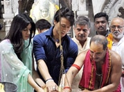Post Heropanti success, Tiger and Kriti offer prayers
