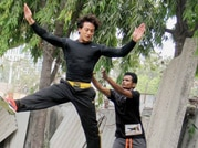 Tiger Shroff flaunts his hot body Heropanti style