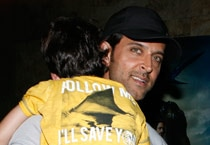 Daddy cool Hrithik with his kids at the screening of X-Men