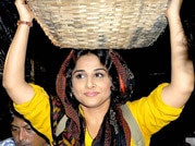 Vidya Balan seeks divine blessings for Bobby Jasoos success