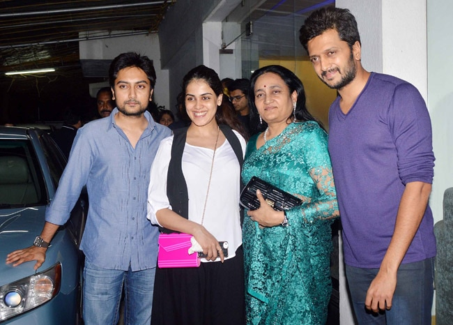 Riteish Deshmukh with his family