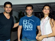 Sidharth Malhotra with Salman Khan and Jacqueline Fernandas