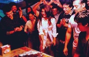 Salman Khan, Jacqueline Fernandez, Kick, Sajid Nadiadwala