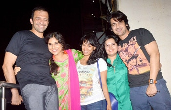 Vidya Balan seen with her friends including photographer Atul Kasbekar and actor Arjan Bajwa
