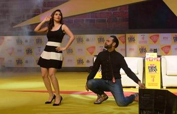 Arjun Kapoor, Deepika Padukone, Aroon Purie and Piyush Goyal