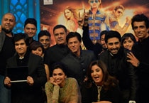 Happy New Year music launch a flamboyant extravaganza, SRK style