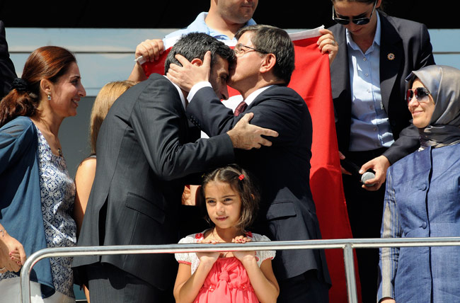 Turkish hostages return home
