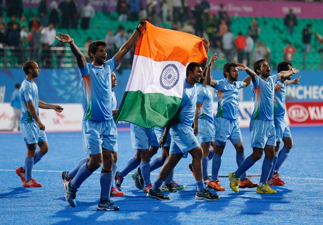 Indian men's hockey team defeated their arch-rivals Pakistan 4-2 in a penalty shootout to clinch the men's hockey gold medal at the Asian Games on Thursday.