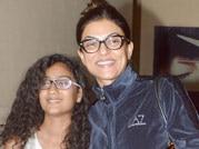 Celeb Spotting: Sushmita's family outing!