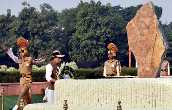 Prime Minister Narendra Modi lauded the courage of policemen on Tuesday.
