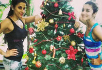 It's Christmas time! Bollywood starts celebrations