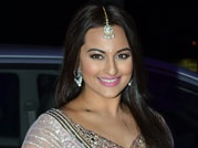 Sonakshi Sinha made us go wow at her brother's reception