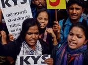 SOL students protest outside Delhi Secretariat