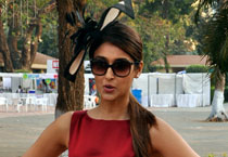 Matter of hats: Bollywood babes and their derby outing