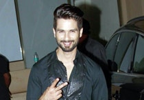 Shahid Kapoor throws birthday bash for close friends