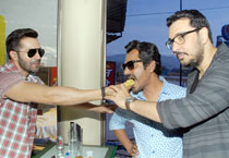 Eat and greet: Varun Dhawan, Nawazuddin Siddiqui promote Badlapur