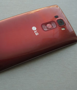 In Pics: Gorgeously curved LG G Flex 2, its specifications and price