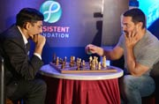 Checkmate: Aamir Khan plays chess with Viswanathan Anand
