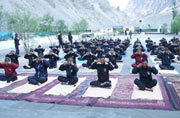 Soldiers practise yoga at Siachen, Modi tweets pictures