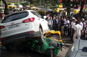 SUV crushes auto after shootout in Gurgaon, 1 dead
