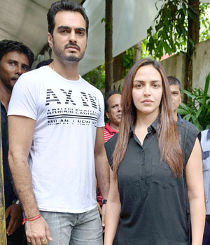 Esha Deol and her husband Bharat were spotted outside Hema Malini's residence in Juhu. B-Towners Neetu Kapoor, Rahul Dev and Mughda Godse were also snapped at various locations in Mumbai. Here's a round-up of what your favourite stars were up to.