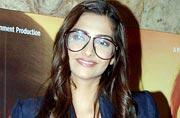 Masaan: Sonam, Parineeti, Richa glam up for film screening
