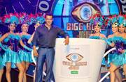A glimpse of Bigg Boss 9 with Salman Khan