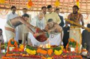 PM lays foundation stone of Andhra's new capital Amaravati