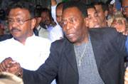 Football legend Pele arrives in Kolkata