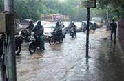 Heavy rains batter Chennai