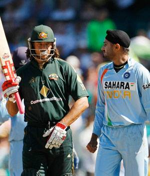 Controversies India vs Australia,Monkeygate Harbhajan Symonds,Virat Kohli middle finger,Slater sledging Dravid,Rohit Sharma David Warner,Kohli Sydney crowd