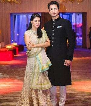 Asin and Rahul Sharma hosted a wedding reception for their friends from the industry in Mumbai on January 23. Celebs like Rana Daggubati and Shilpa Shetty were a part of this reception.