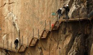 Located high up on the mountains of Spain's Malaga district is Caminito del Rey, which is considered to be the world's scariest walkway.