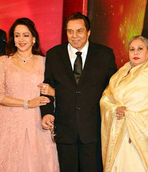 It was a dream come true for Sholay fans when after 40 years of the film, the lead cast - Amitabh Bachchan, Dharmendra, Hema Malini and Jaya Bachchan - were snapped together in one frame at the launch of Hema Malini's album, Dream Girl.
