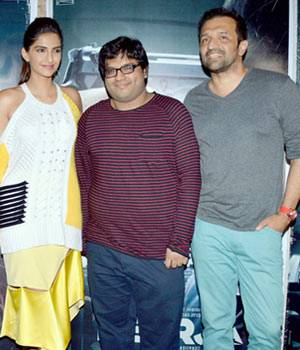 Sonam Kapoor joined director Ram Madhvani and lyricist Prasoon Joshi at the launch of a new song Aankhein Milayenge Darr Se from her upcoming film Neerja.