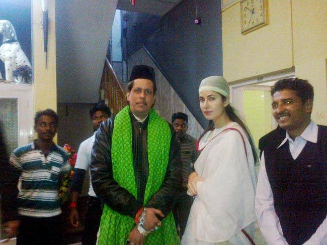 Katrina Kaif on February 8 offered prayers for the success of her upcoming film Fitoor at the shrine of Khwaja Moinuddin Chisti in Ajmer, Rajasthan. Kaif has, several times in the past too, visited the mausoleum.