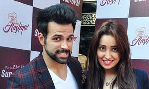 Bindass is back with Yeh Hai Aashiqui with a bunch of fresh tales and new characters. To launch the new season they invited one of the most popular couples on TV, Rithvik Dhanjani and Asha Negi. Rithvik plays the 'Sutradhar' on the show.